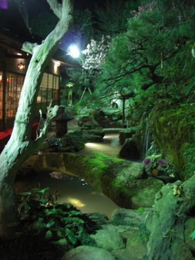 侘び寂の有る、京都のお店お庭
