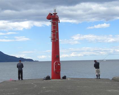 沼津港航路導流堤灯台非接写がん見